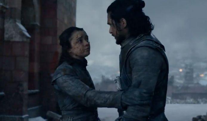 Arya waarschuwt Jon voor Dany.