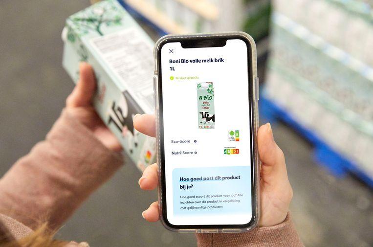 Nu nog via een app, straks op verpakkingen: een kleurcode die de milieu-impact van een product weergeeft. Beeld RV
