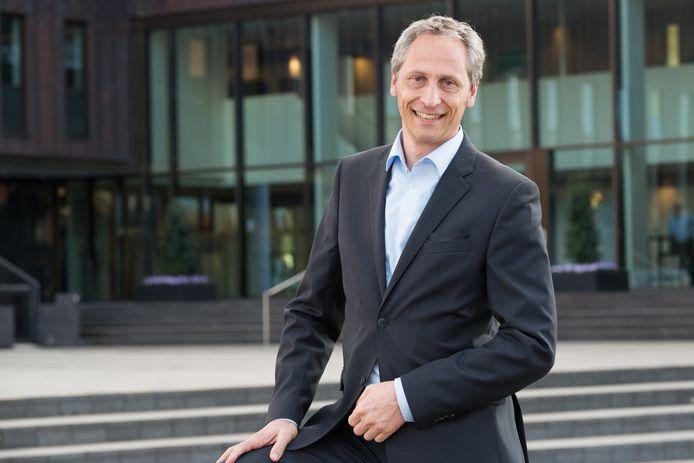 Wethouder Jan Uitslag kreeg maandagavond van een deel van de gemeenteraad een tik over de vingers.