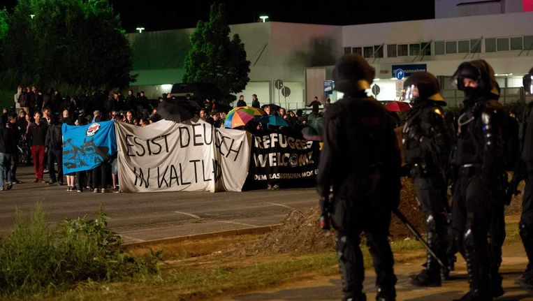 Beeld van een extreemrechts protest in Dresden gisteren.