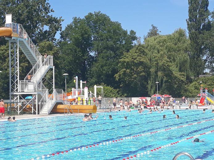 Openluchtzwembad Vita Den Uyt