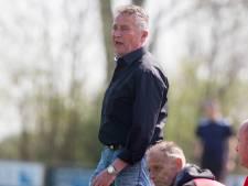 Abrupt afscheid van een voetbaltrainer die na promotie in de kerk belandt: 'Ik ben geen Dick Advocaatje'