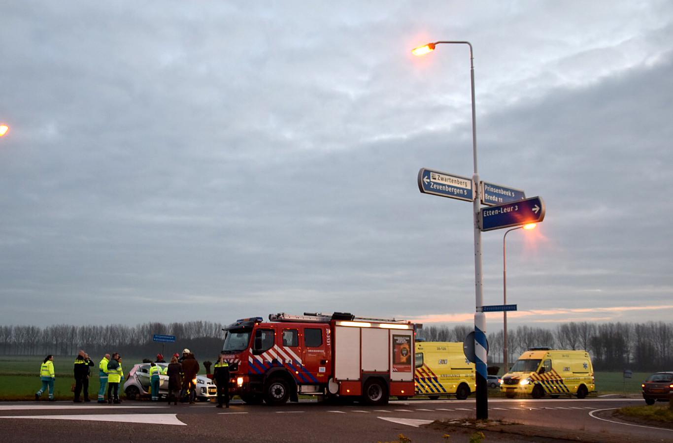 De kruising Zevenbergseweg en Strijpenseweg is een gevaarlijke weet de provincie die komend jaar gaat onderzoeken hoe het knelpunt opgelost kan worden.