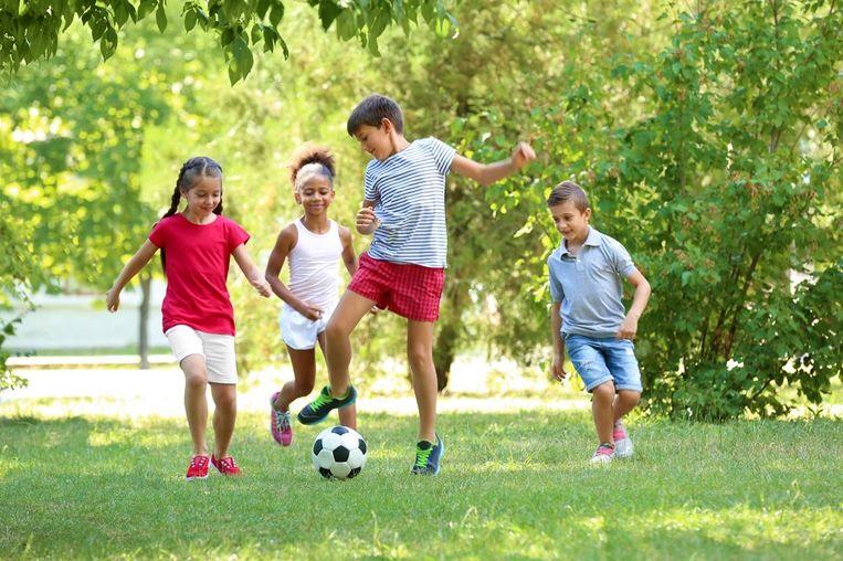 Met Wijksport en Sport aan Zee heeft de sportdienst van Oostende een aangepast programma klaar voor kinderen en oudere geïnteresseerden