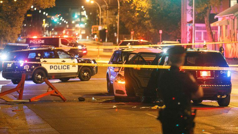 De politie onderzoekt de plaats van de aanval in Edmonton, Canada. Beeld ap
