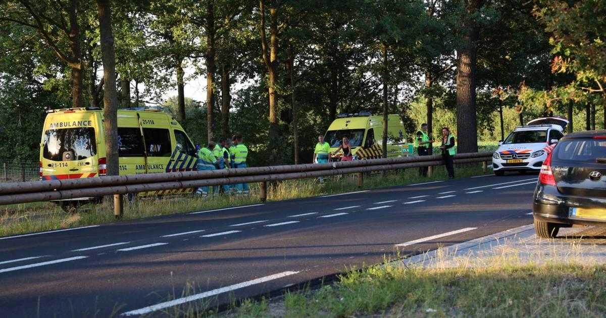 Motorrijder verongelukt na 'wheelie' op Rijksweg bij Reek.