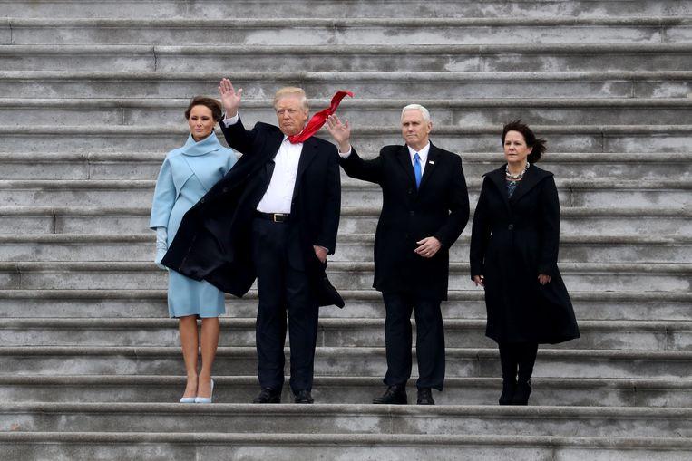First Lady Melania Trump, president Donald Trump, vicepresident Mike Pence en zijn vrouw Karen. Beeld EPA