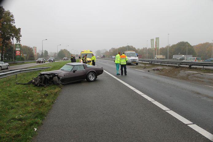 De Corvette raakte zwaar beschadigd.