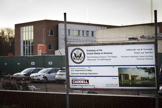 De bouw van de nieuwe Amerikaanse ambassade startte in 2014. Zon 250 bouwlieden werken er aan, waarvan de meesten uit Roemenië en Turkije