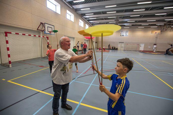 Kinderen worden na school opgevangen in gymzaal Westwijzer in Helmond