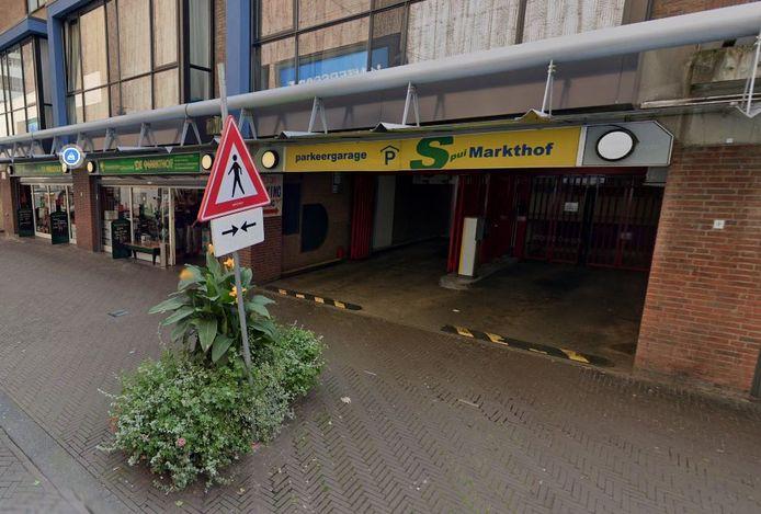 Parkeergarage de Markthof aan de Gedempte gracht in Den Haag