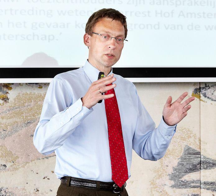 Ira Helsloot, hoogleraar Besturen van Veiligheid aan de Radboud Universiteit.