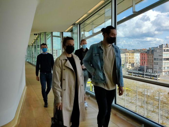 Yves Lampaert, Tim Declercq en Guillaume Van Keirsbulck onderweg naar de rechtszaal.