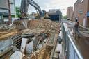 April 2020: de sloop van de oude bebouwing op de plek van Vista Titus, met op de achtergrond de oude autogarage.