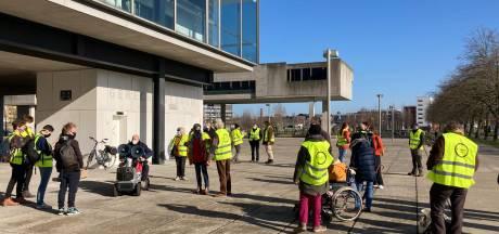 Rechtszaak tegen 'Bernadettekrakers' uitgesteld, toch protest aan rechtbank