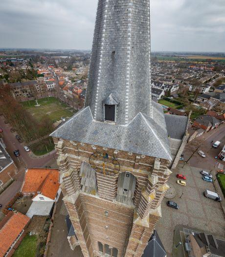 Toren Lambertuskerk in Wouw moet snel opgeknapt worden