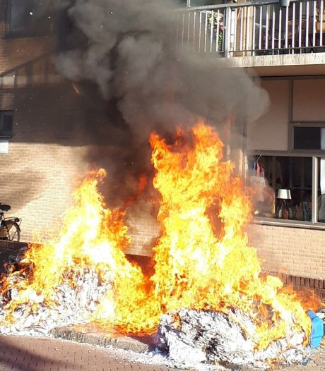 Wijkagent vreesde dat containerbrand zou overslaan naar flat in Winterswijk: 'Dat ging maar net goed!'