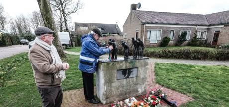 Bloemen in Megchelen en Rees ter nagedachtenis aan oorlogsslachtoffers, 'hoop tot in de eeuwigheid'
