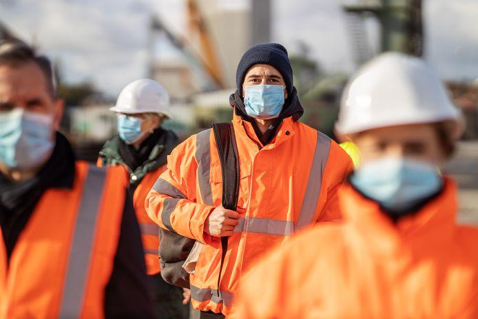 De Antwerpse haven kampt met een groot tekort aan arbeiders.