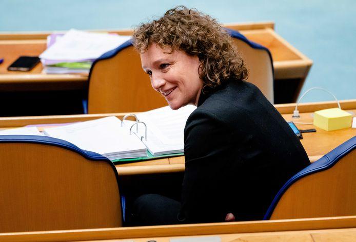 Renske Leijten (SP) tijdens een eerder debat over het aftreden van het kabinet naar aanleiding van de toeslagenaffaire.