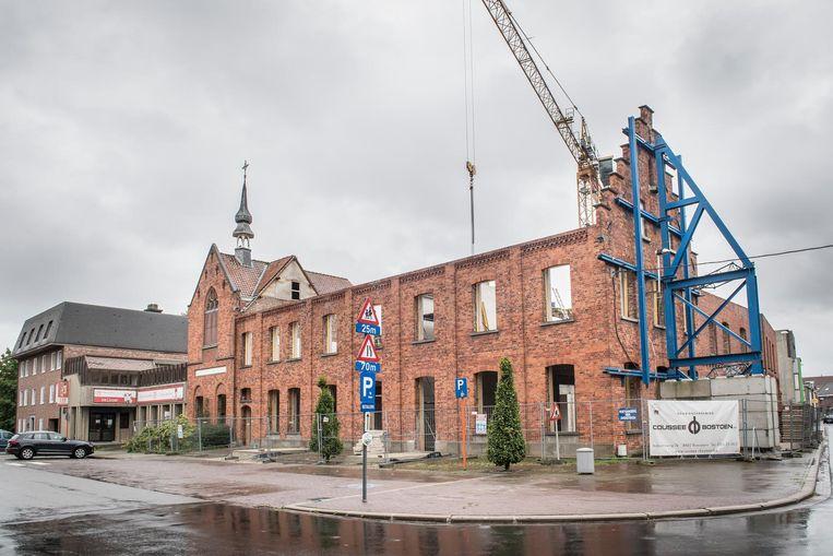 Tweede site in opbouw aan de vroegere Rodenbachbib op de hoek van de Arme Klarenstraat.