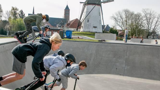 """""""Skaten is altijd leuker met wat zon erbij!"""": eindelijk dolle pret in skatepark Witte Molen na winterprik"""