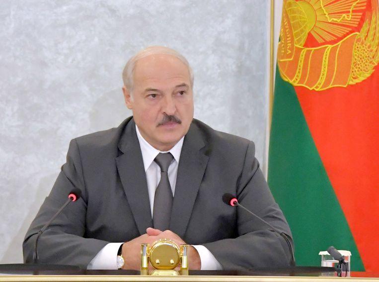 Met populistische retoriek in de strijd tegen corruptie won Aleksandr Loekasjenko de stembusgang. Beeld EPA