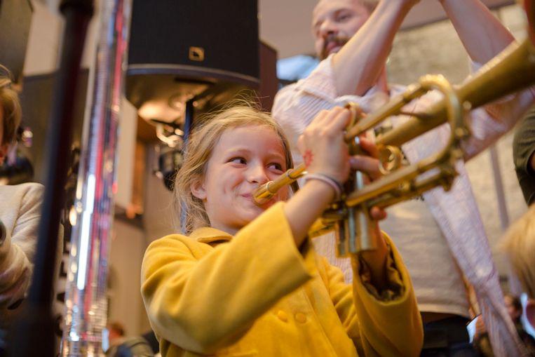 Zonzo Compagnie tourt met BIG BANG, een avontuurlijk muziekfestival voor jonge oren, de wereld rond.   Beeld RV Dries Segers