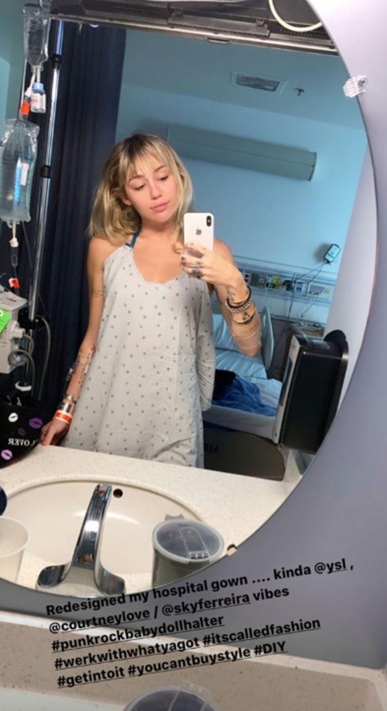 Miley Cyrus ligt in het ziekenhuis.