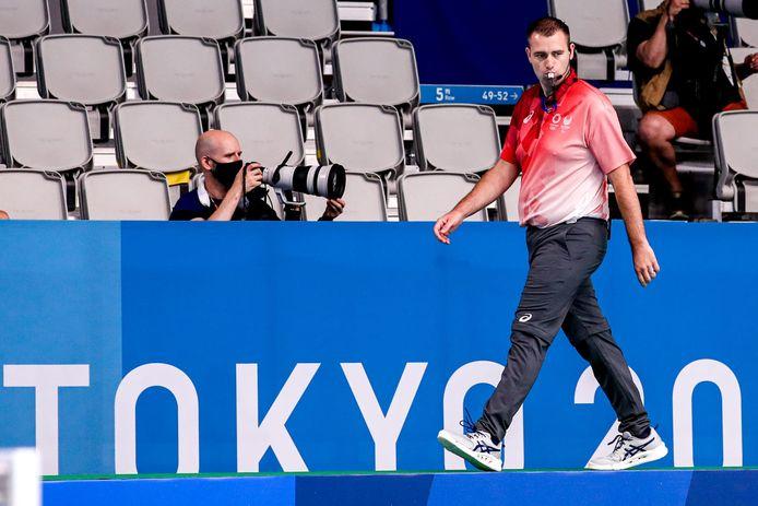 Alphenaar Michiel Zwart in actie als waterpoloscheidsrechter tijdens de Olympische Spelen in Tokio.