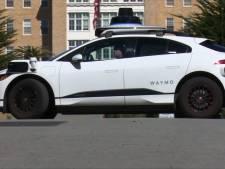 """Des voitures autonomes """"confuses"""" envahissent une rue sans issue à San Francisco"""
