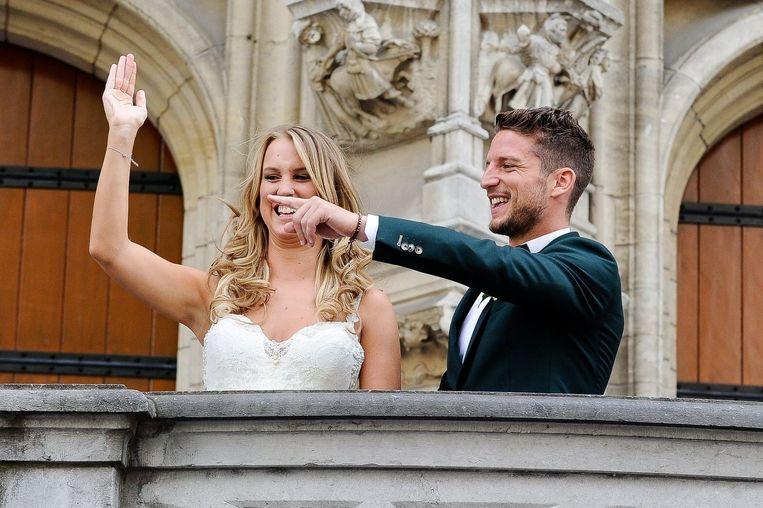 Mertens stapt op 26 juni in het huwelijksbootje in Leuven met zijn jeugdliefde Katrin Kerkhofs. Beeld PHOTO_NEWS