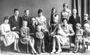 Vader Kees, moeder Annie en hun veertien kinderen in 1959; met de geboorte van Cees (op schoot) was het gezin compleet.