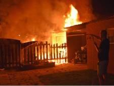 Felle brand verwoest schuurtje in Nieuwaal