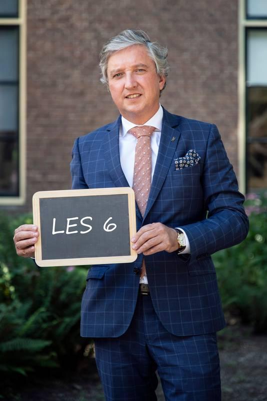 Tiels burgemeester Hans Beenakker.