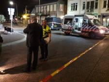 Bestuurder die inreed op terras in Gennep aangehouden, zes gewonden
