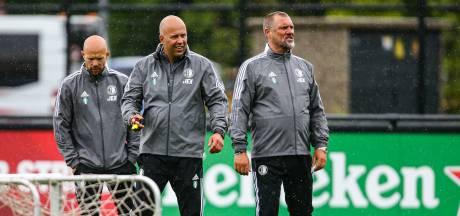 Fotoserie | Lachende Arne Slot bij eerste training Feyenoord