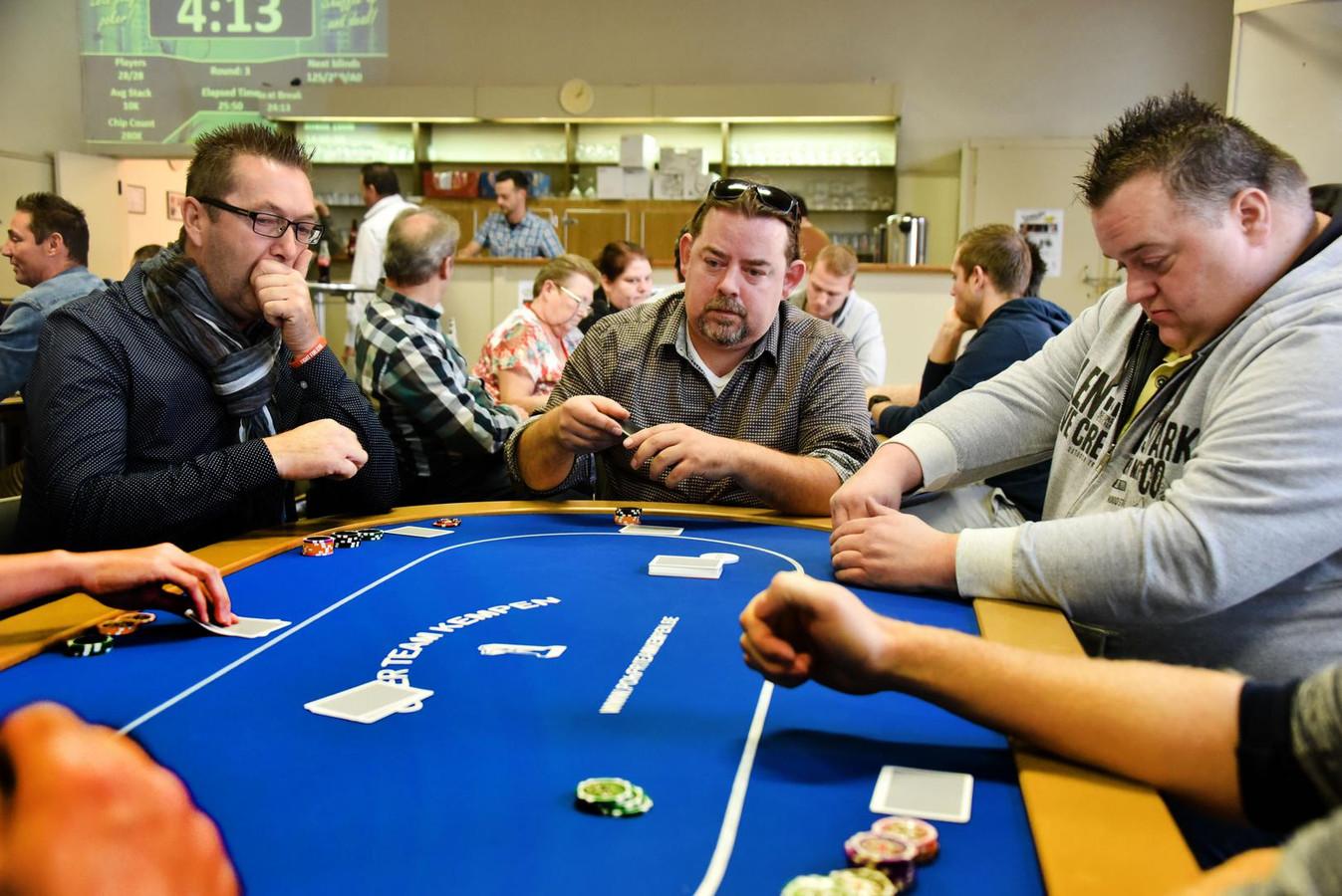 Onder anderen Foute Vriend Jeron Dewulf komt zaterdag zijn pokerskills tonen.