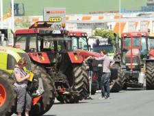 """""""Bloquer Paris avec plus de 1.000 tracteurs"""""""
