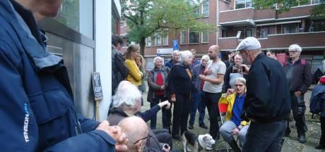 Actiegroep Niet Te Koop uit woning Oud-West gezet