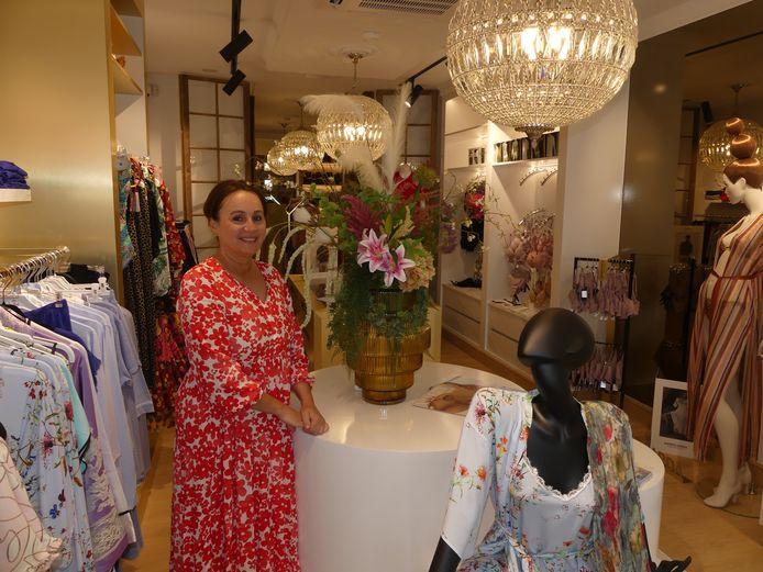 Martine Dehollander in Petite Boutique.