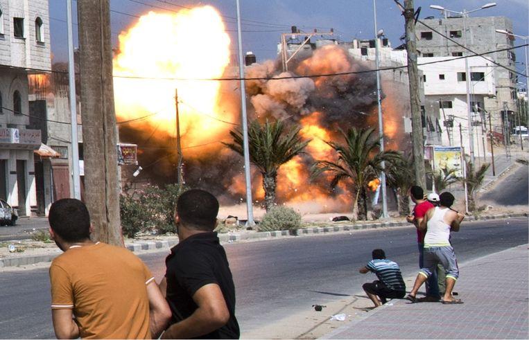 ''Gaskamers hebben we niet gebouwd in Gaza, hè, dus is het oké,' zeggen extreemrechtse jongeren me. Tja, als je álles vergelijkt met de Shoah, dan ga je wreedheid relativeren.' Beeld