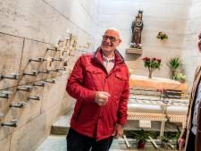 Jan Simons doet in Tilburg al 35 jaar de deur naar Maria open