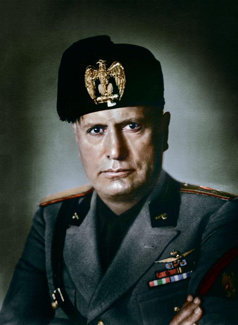 De Italiaanse fascistenleider Benito 'Il Duce' Mussolini. Beeld RV Foto uit De tijd in kleur, uitg. Omniboek.