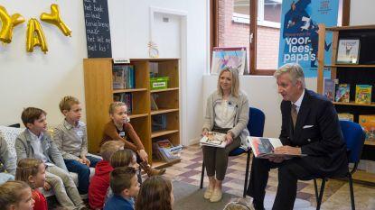 Koning Filip leest voor aan leerlingen in basisschool Kampenhout