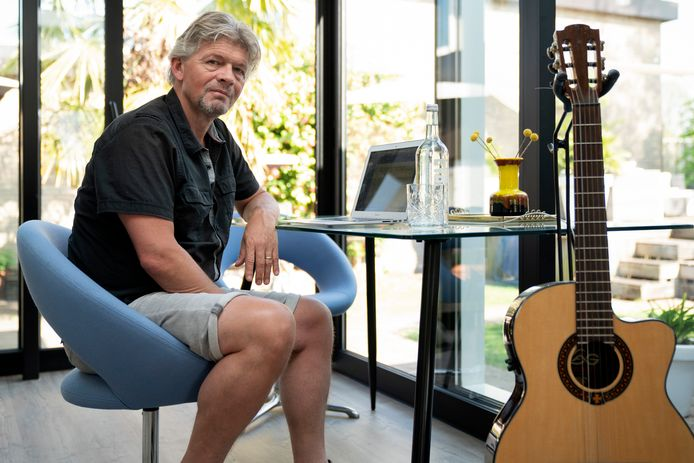Muzikant Harry Hendriks heeft veel gecancelde optredens vanwege het coronavirus.