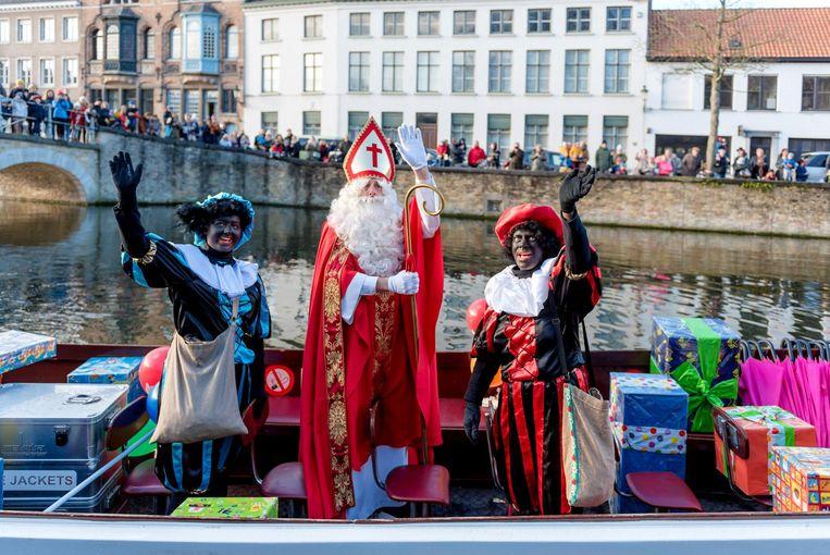 Een beeld van de Sint en zijn Zwarte Pieten vorig jaar.