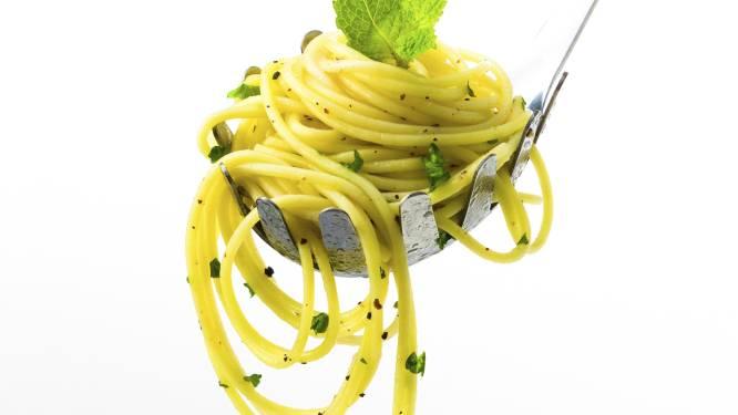 Daarom zit er een rond gat in een pasta-lepel