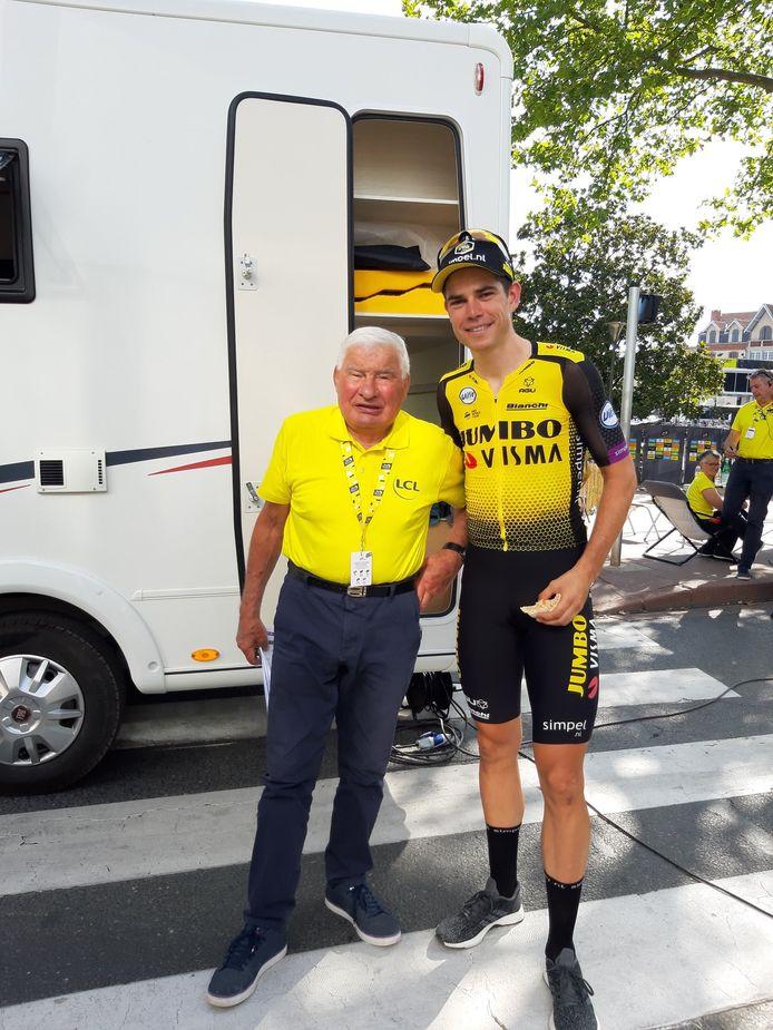 Raymond Poulidor en Wout van Aert tijdens de afgelopen Tour de France.