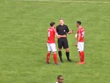 Bizar: scheidsrechter 'scoort' tegen Harkemase Boys